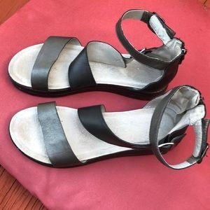 Jambu Shoes - Like new Jambu women's sandals. Size 11